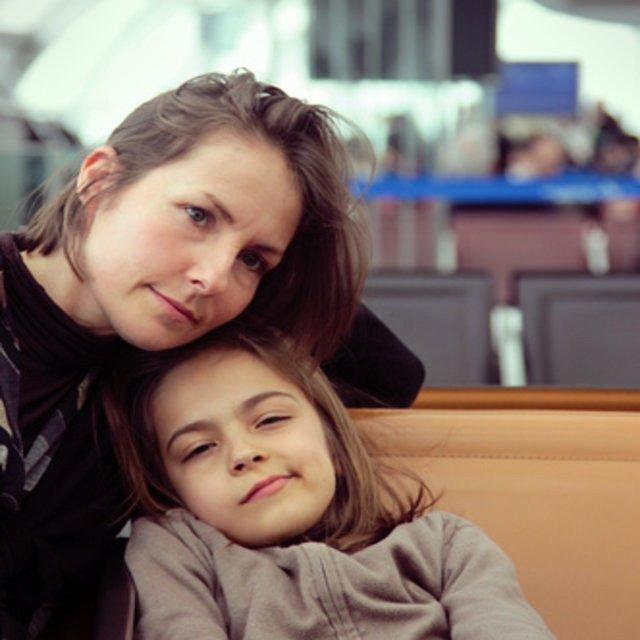 Flugreisen und Flughafen mit Ihren Kindern